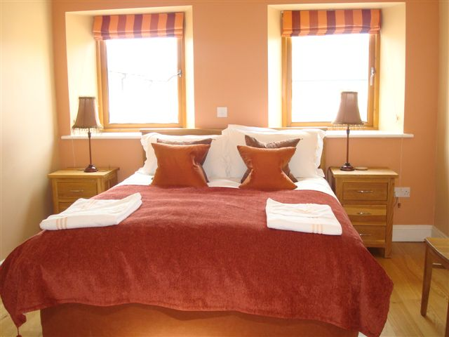 The Barn,Bedroom 1,  Decoy Country Cottages, Luxury self catering accommodation in Meath