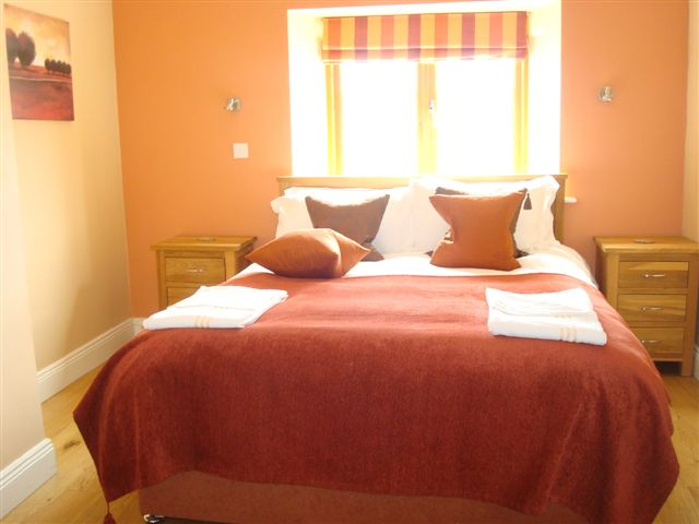 The Coach House, Bedroom 1, Decoy Country Cottages, Luxury self catering accommodation in Meath