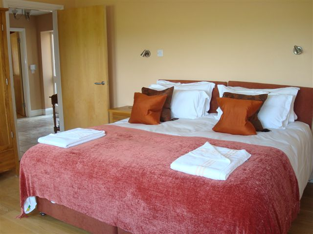 The Forge, bedroom 1, Decoy Country Cottages, Luxury self catering accommodation in Meath