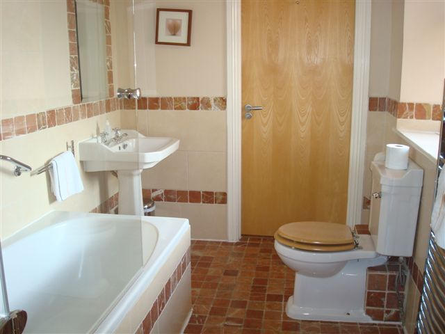 The Forge, Bathroom, Decoy Country Cottages, Luxury self catering accommodation in Meath