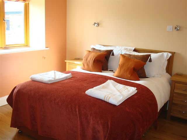 The Hen House, Bedroom 2, Decoy Country Cottages, Luxury self catering accommodation in Meath