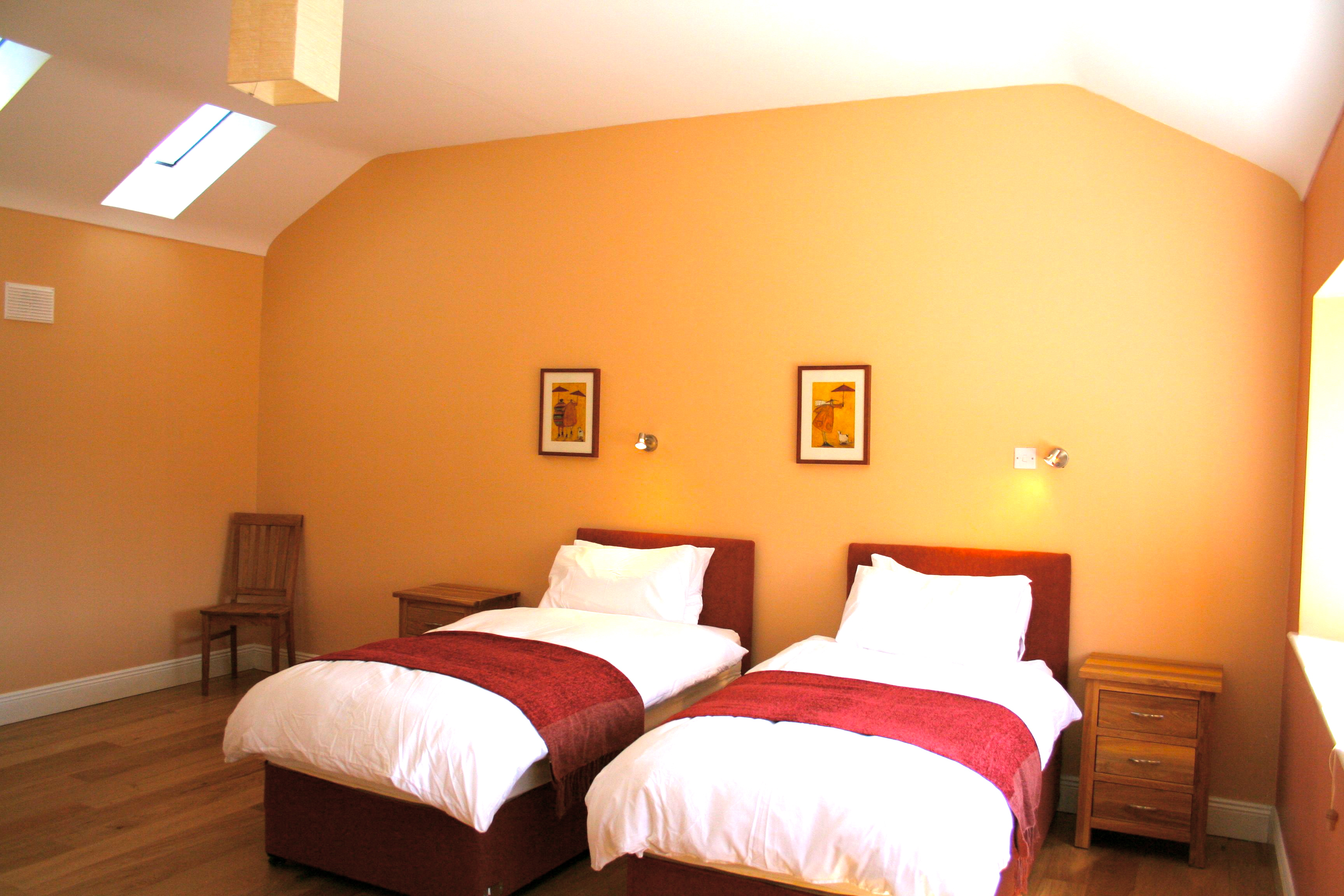 The Parlour, Bedroom 2, Decoy Country Cottages, Luxury self catering accommodation in Meath