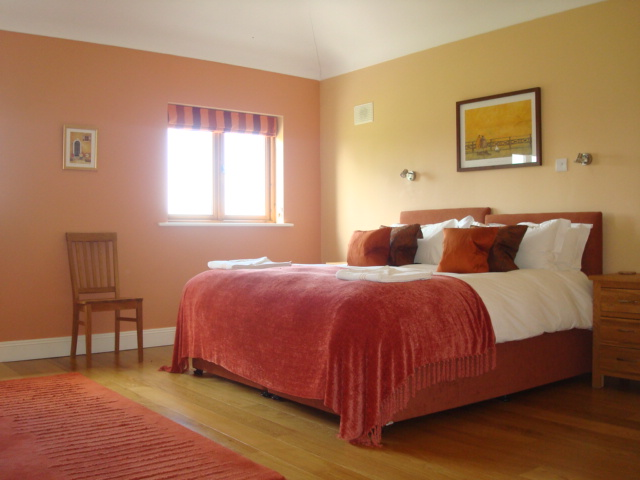 The Parlour, Bedroom 1, Decoy Country Cottages, Luxury self catering accommodation in Meath