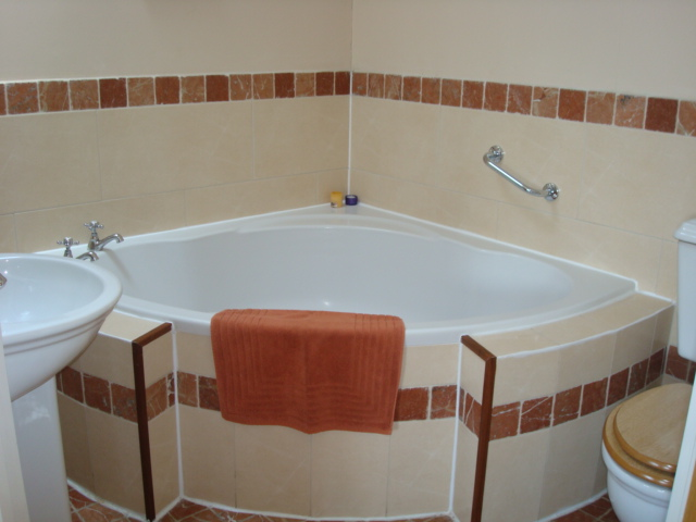 The Parlour, Bathroom, Decoy Country Cottages, Luxury self catering accommodation in Meath
